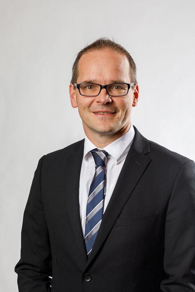Minister Grant Hendrik Tonne